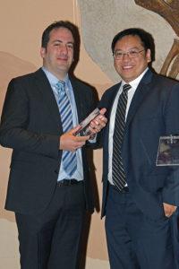 Dr. Massimo Fazio (links),  Preisträger des Xtreme Research Award 2017 und Dr. Alex Huang, Preisträger 2016.