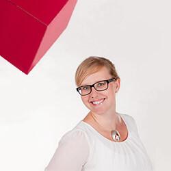 Claudia Holzhey
